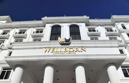 Wellborn Luxury Hotel