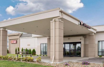 Clarion Hotel Beachwood-Cleveland