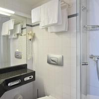 Intercityhotel Kiel IntercityHotel Kiel, Germany - Bathroom