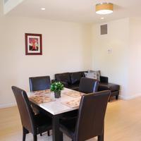 Bella Capri Inn Tower Suite (Dining Area)