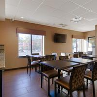 Best Western Plus College Park Hotel Dining Area