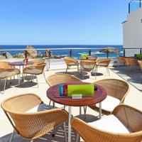 Premier Gran Hotel Reymar & Spa Poolside Bar
