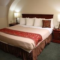 Grand Royale Hotel Guestroom