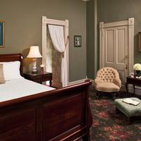 Devereaux Shields House Guestroom