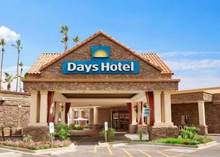 Days Hotel Scottsdale Near Old Town