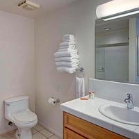 Sea View Inn at the Beach Bathroom