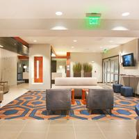 Holiday Inn Express & Suites Hot Springs Lobby Sitting Area