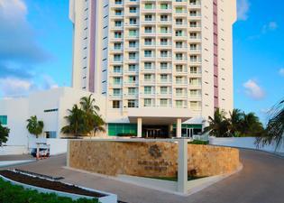 Krystal Grand Punta Cancun