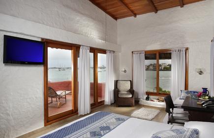 Red Mangrove - Aventura Lodge