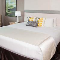 Wyndham Irvine-Orange County Airport Guest Room