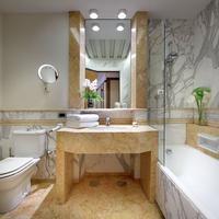 Exe Majestic Bathroom