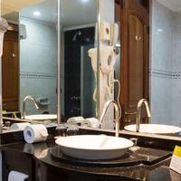 Exe Cataratas Bathroom