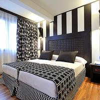 Salles Hotel Aeroport Girona Guestroom