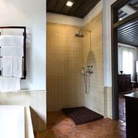 Satri House Bathroom