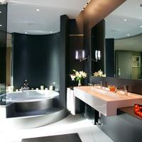 Carlemany Bathroom