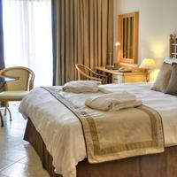 Marina Hotel Corinthia Beach Resort Guestroom