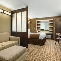 Microtel Inn & Suites by Wyndham Dickinson Guestroom