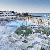 Creta Maris Beach Resort Poolside Bar