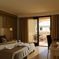 Cactus Royal Resort & Spa Guestroom