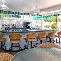 Best Western Plus Siesta Key Gateway Sand Dollar Pool Bar and Grill