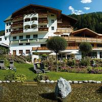 Hotel Weisses Lamm Featured Image
