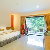 Tinidee Golf Resort at Phuket Guestroom