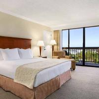 Ontario Airport Hotel and Conference Center Guest room