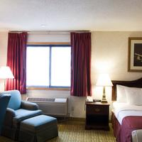 GuestHouse Inn & Suites Sioux Falls Suite