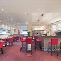 Fraser Suites Harmonie Paris La Défense Breakfast room