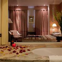 Swiss Hotel Superior Double Room Bathroom