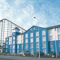 Big Blue Hotel Exterior