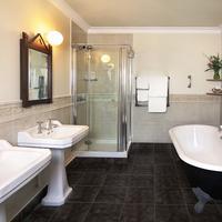 Abbeyglen Castle Hotel Bathroom