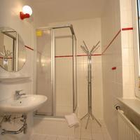 Hotel Pension Garni Schwalbenhof Bathroom