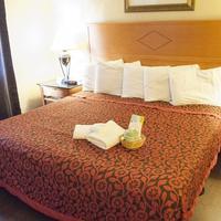 Days Inn Seaside Heights/Toms River 1 King Bed Room