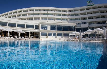 On Hotels Oceanfront - Adults Only