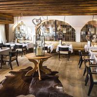 Alpenhotel Fall In Love Restaurant