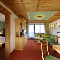 Ferienhotel Kaltschmid Guestroom