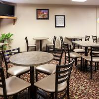 Super 8 Manhattan KS Breakfast Seating Area