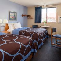 Super 8 Manhattan KS 2 Queen Bed Room