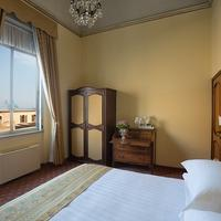 Grand Hotel Palace Guestroom