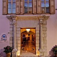 Bellagio Luxury Boutique Hotel Entrance