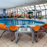 Lexington Hotel Rochester Airport Pool