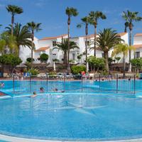 Select Sunningdale Pool