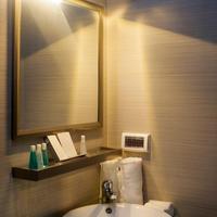 Airport Beach Hotel Bathroom