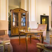 Smart Selection Hotel Bristol Lobby Sitting Area