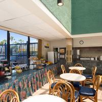 Days Inn Panama City Beach/Ocean Front Breakfast Area