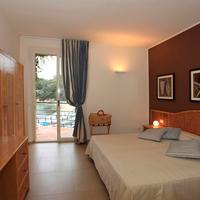 Hotel Desiree Guestroom