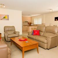 White Lace Motor Inn Living Area