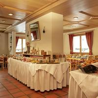 H+ Hotel Sonnwendhof Engelberg Breakfast Area