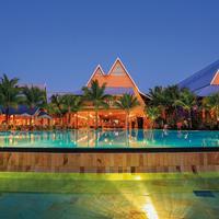 Victoria Beachcomber Pool